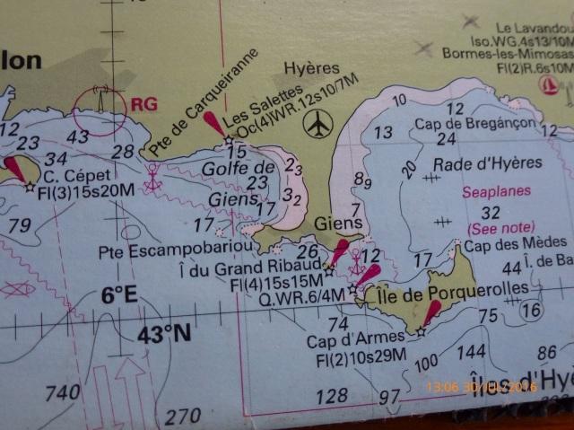 Tussen het mooie eiland Ile de Porquerolles en de vaste wal door naar, zie foto hier onder